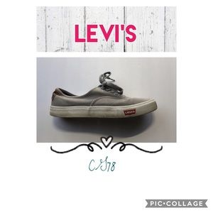 🌻Levi's canvas low top sneakers🌻
